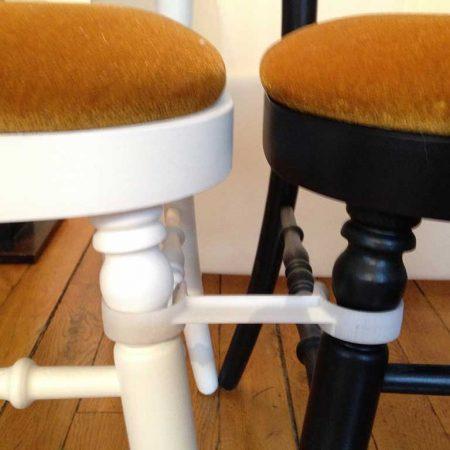 détails Element de liaison pour chaise empilable